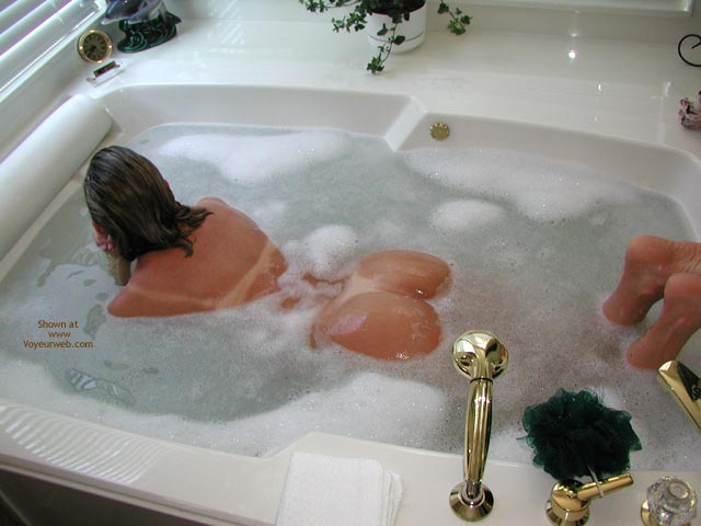 Pic #1 - Snowflake in The Tub