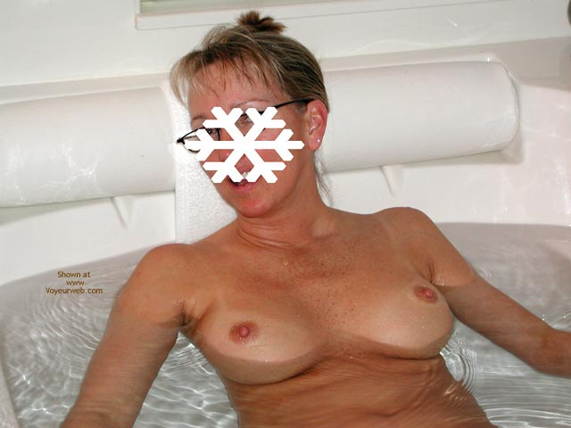 Pic #6 - Snowflake in The Tub