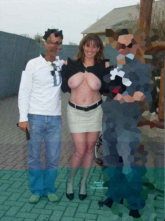 Pic #7 Lisajane Having Fun In Public