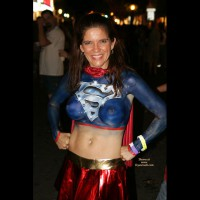 Superwoman Bodypaint - Navel Piercing