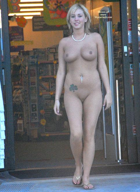 Pic #6 Katrina Visits A Store