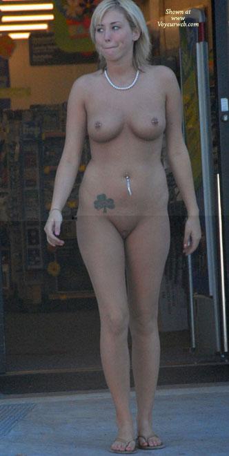 Pic #7 Katrina Visits A Store
