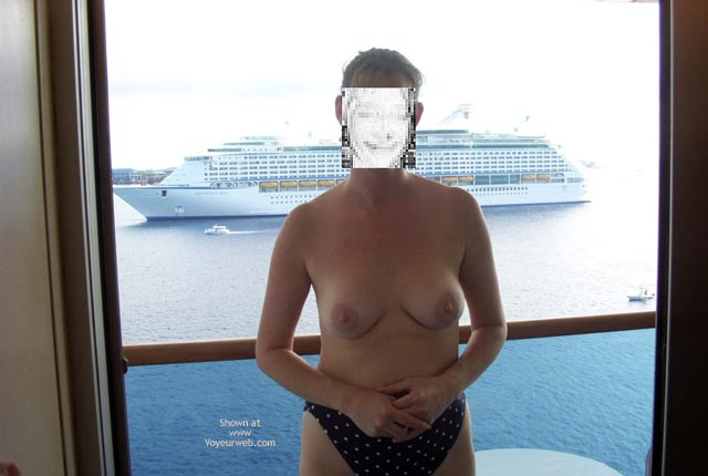 Pic #6 - Hottie Wife On A Cruise