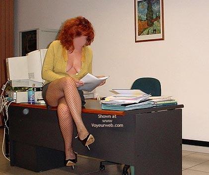 Pic #1 - Caty in Ufficio