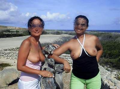Pic #5 - *GG Yita & Liz Go Site-Seeing