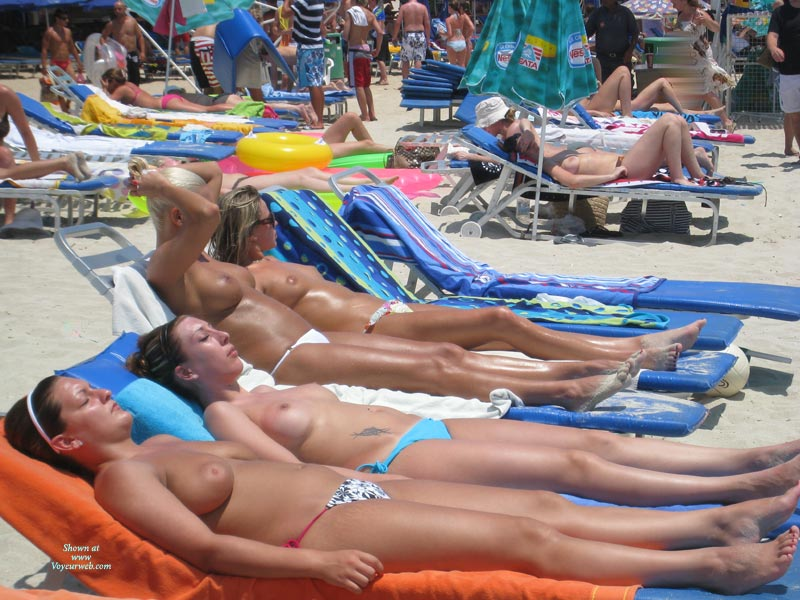 Pic #1 - 4 Girls Topless Sunbathing - Topless , Tanned Titties, Boobies In The Sun, Group Of Boobs, Beach Tits, Sunbathing Tits, Topless Sunbathing, Nice Tits On The Beach, Serial Tits
