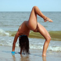 Althletic Beauty Naked At The Beach - Brown Hair, Brunette Hair, Long Hair, Long Legs, Shaved Pussy, Naked Girl, Nude Amateur