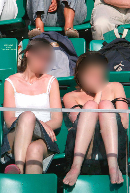 Tennis audience voyeur