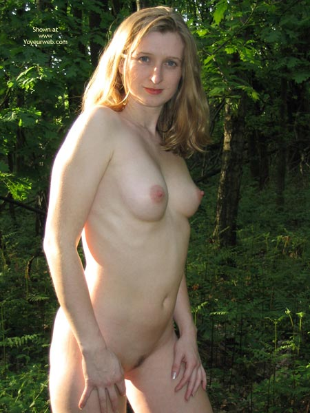 Pic #8 - Sexy Amber Outdoors