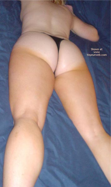 Pic #3 - Wife's Sexy Ass