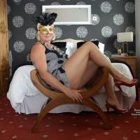 Kentish Maid Hot In The Uk Indoors Pt 1