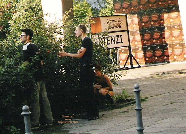 Pic #2 - Girl Pee Berlin 1998