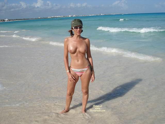 Pic #1 - Eleinade At The Beach , Eleinade At The Beach