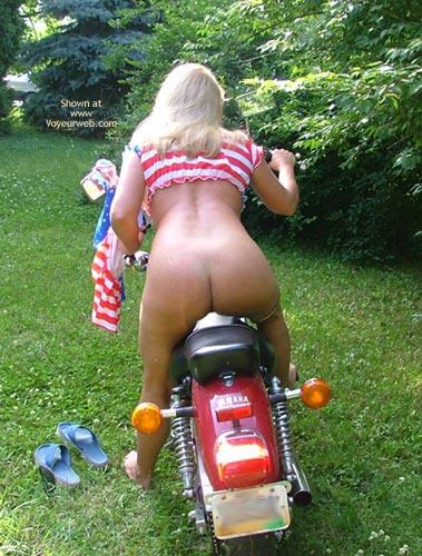 Pic #3 - *SR Angel's Sexy Rear on Her Bike