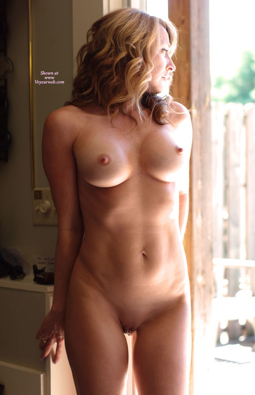 Nude girls erected boobs — pic 5
