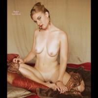 Nude Wife Posing - Naked Girl, Nude Amateur, Nude Wife