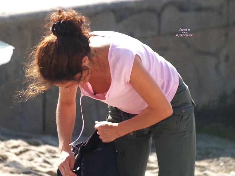 Pic #1 - Nipple Downblouse - Brown Hair, Beach Voyeur , Nipple Slip, Voyeur Photo, Beach Ops, Erect Nipple, Peek A Boo, Down Blouse, Downblouse, Sneak A Pic, Medium-sized Firm Breasts, Soft Voyeur, Hanging Breasts, Long Dark Nipples, Outdoor Down Blouse