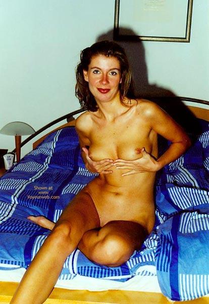 Pic #1 - Anette Nackt Vor Der Camera
