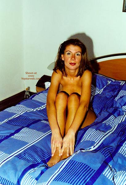 Pic #3 - Anette Nackt Vor Der Camera