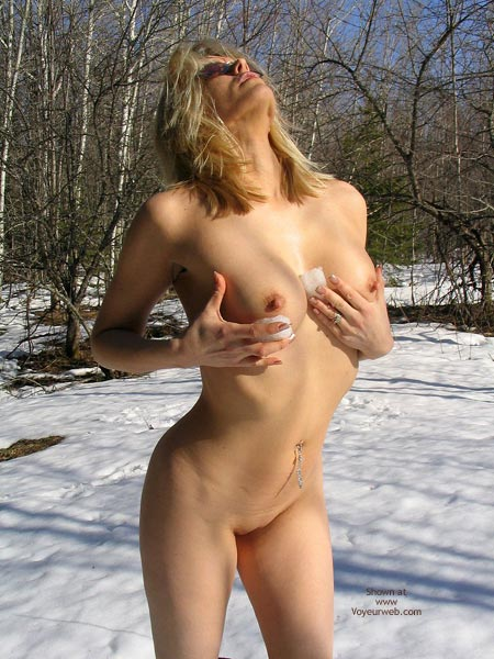 Pic #5 - Nikkie Trys To Love The Snow