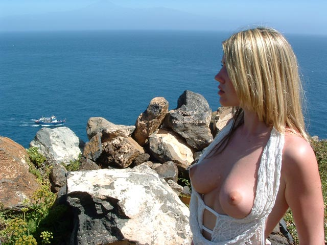 Pic #5 - Gorgeous Blonde Sunning Her Natural Boobs