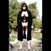 Monica'S Withe Boots 4