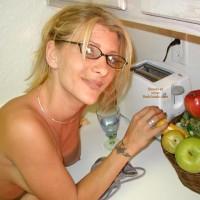 Jessi In The Kitchen 2