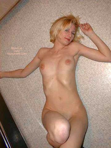 Pic #5 - Beautiful Becky Posing