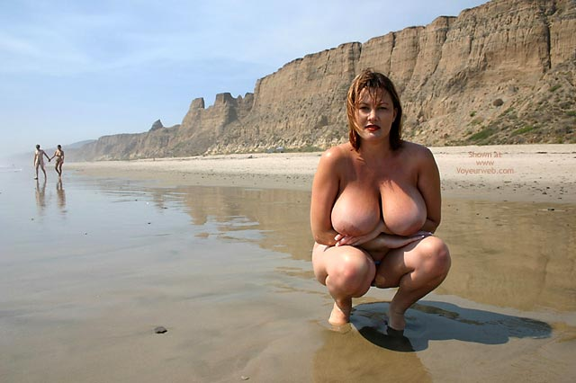Pic #4 - Hayden Gets Naked At The Beach