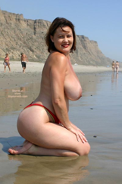 Pic #10 - Hayden Gets Naked At The Beach