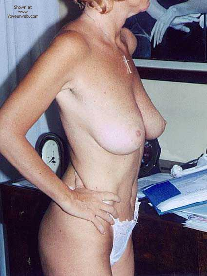 Pic #2 - *Tw Patrizia Takes Off Her Lingerie And Gets Naked