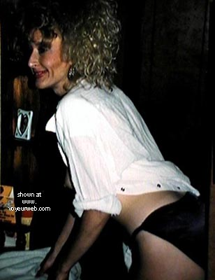 Pic #2 - Toni Says Hi