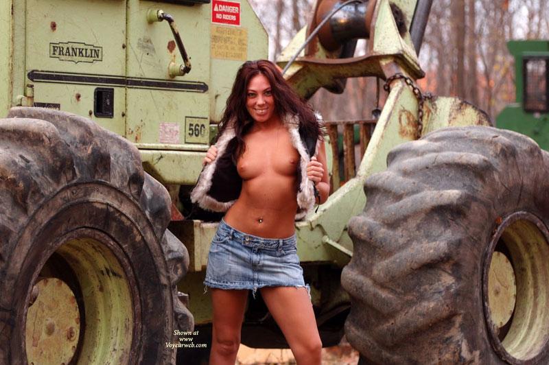 sexy-naked-sexy-farm-girl-trailer-porn-teacher