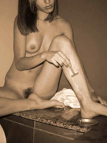 Pic #7 - *Sh Hot And Sweet! Shaving Now The Legs!