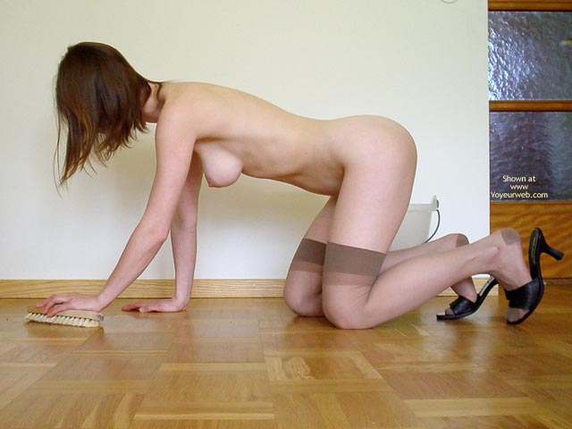 Pic #4 - Swedish Beauty Doing Her Chores