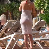 Rich Wife In Public Pool