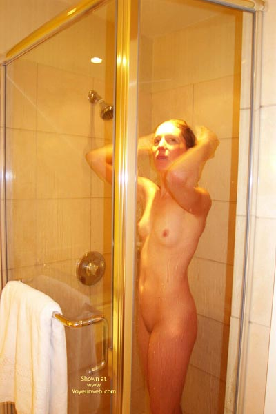 Pic #1 - Kelli'S Hot In The Shower
