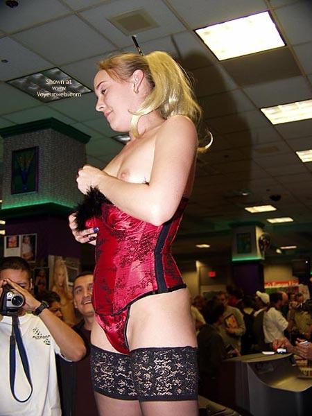 Pic #4 - Public Porn Flashing