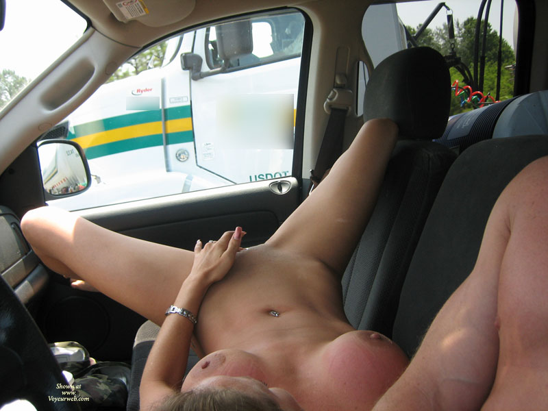 Wife shows tits to truck drivers