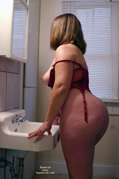 Pic #6 - OH Wife Getting Ready