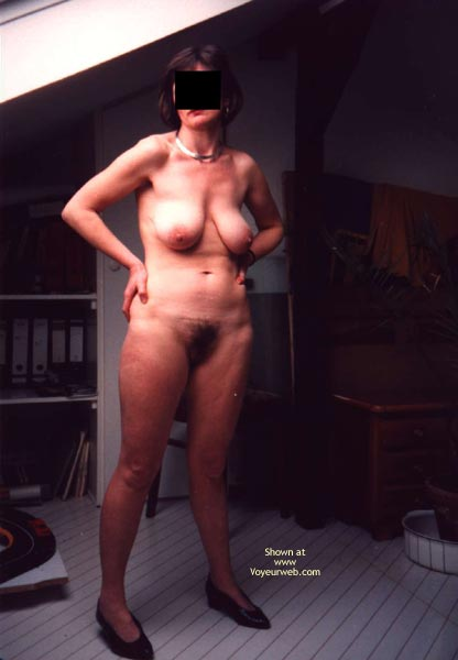 Pic #4 - Her First Time Showing Up Naked
