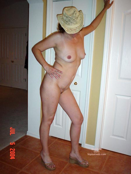 Pic #4 - Pussycat In Cowboy Hat