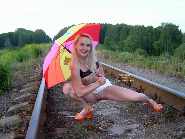 Pic #7 - Railroad Pussy Flasher