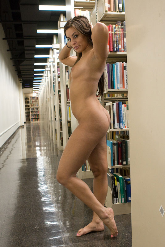 Pic #5 Leanna In College Library 2
