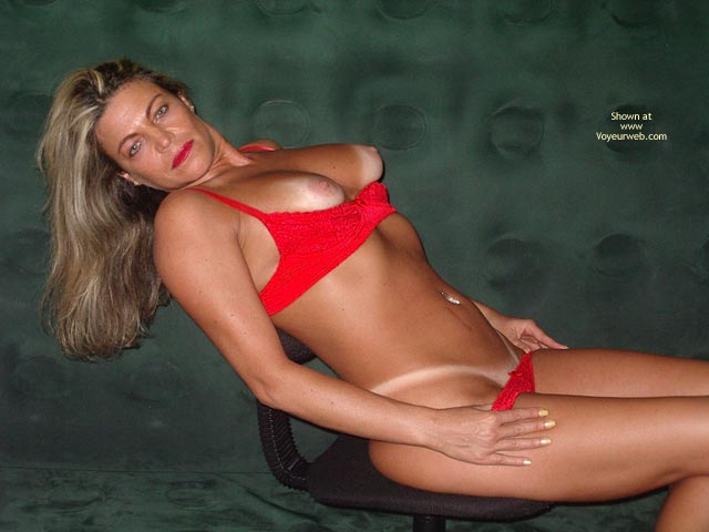 Pic #1 - *Bu Ly Jolie My Butt Shots