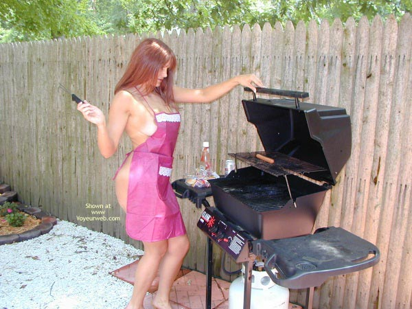 Pic #2 - Jane Bbq In The Buff
