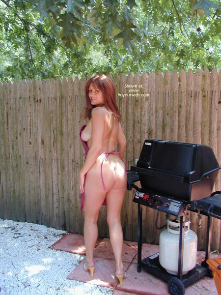 Pic #5 - Jane Bbq In The Buff