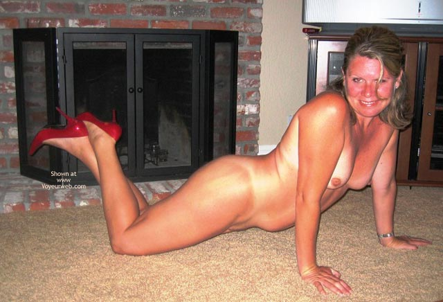 Pic #6 - Mrs420 In Red